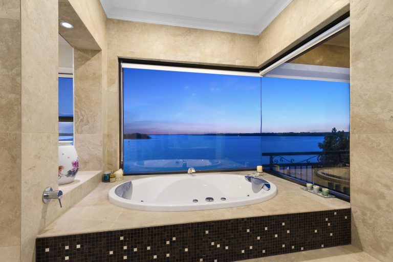 Open2view_paradise_Point bathroom